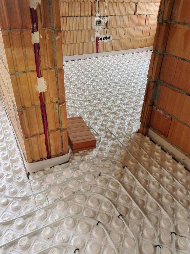 Padlófűtés építés alatt